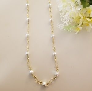 Jewelry - Charming Faux Pearl Gold Necklace